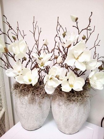 pot opgemaakt met magnolia  Voorbeeld