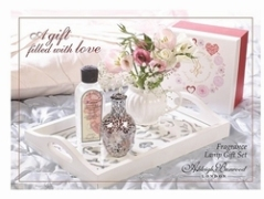 Rose Quartz Giftset met 250ml Romance Oil Limeted Edition